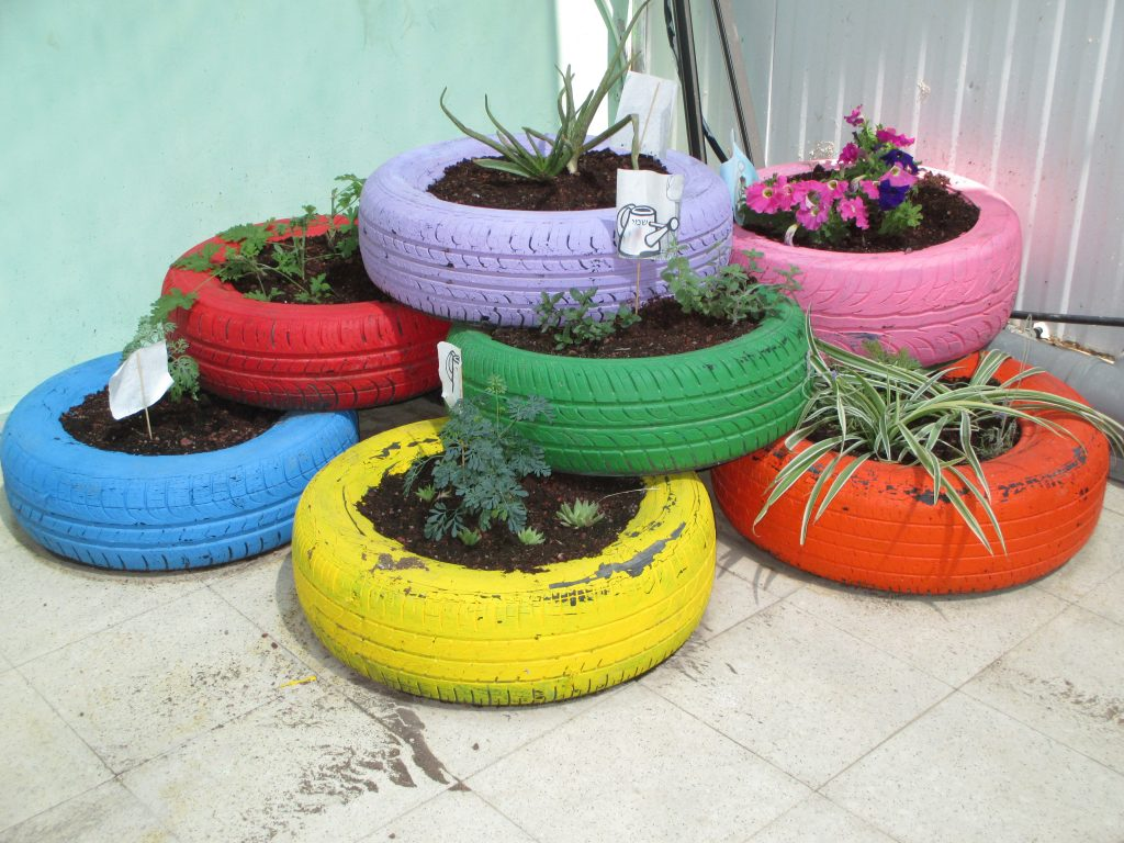 Colorful ways to recycle and grow